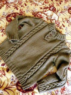 2a73ca8ea2a4 Un classique pull à col bien chaud tricoté en fil composé de 60% laine et
