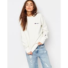 Champion Oversized Boyfriend Sweatshirt With Small Retro Logo (590 DKK) ❤ liked on Polyvore featuring tops, hoodies, sweatshirts, cream, cotton sweatshirt, crew neck sweatshirts, cream top, oversized sweatshirt and crew-neck sweatshirts