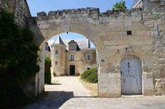 Ancien couvent des Cordeliers et son manoir à #Puy-Notre-Dame (Le) #49 #49260…