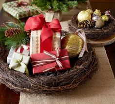 Decoration, Beauteous Diy Christmas Table Decor As A Christmas Centerpieces Ideas Gifts And Ornaments In Dried Birds Nest: Finding a Christm. Christmas Tabletop, Christmas Table Centerpieces, Christmas Table Decorations, Cozy Christmas, Homemade Christmas, Rustic Christmas, Beautiful Christmas, All Things Christmas, Centerpiece Ideas