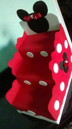 The world's catalog of creative ideas Minie Mouse Party, Minnie Y Mickey Mouse, Fiesta Mickey Mouse, Minnie Cake, Mickey Mouse Clubhouse, Mickey Party, Mickey Mouse Birthday, Baby Birthday, Birthday Parties