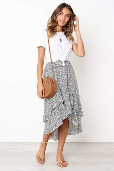 Be in Love Ruffle Skirtsummer fashion summer outfit summer outfit ideas skirt maxi skirt high low skirt sandals casual style date outfits day outfits for summer casual outfits for summer outfits with skirts Modest Outfits, Modest Fashion, Fashion Outfits, Fashion Skirts, Casual Skirt Outfits, Casual Dress Outfits, Casual Skirts, Spring Summer Fashion, Spring Outfits
