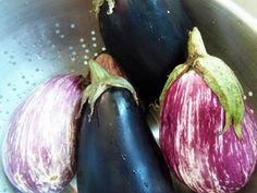 Don't throw out that extra eggplant! It can be cooked and frozen to save for later. Learn four methods for freezing eggplant, including storage tips. Preserving Eggplant, Freezing Eggplant, Preserving Food, How To Freeze Eggplant, Freezing Vegetables, Frozen Vegetables, Fruits And Veggies, Freezing Eggs, Eggplant Recipes