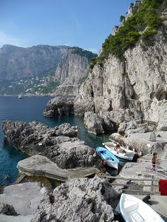 """Boat quay at """"La Fontelina"""" - Capri, Italy"""
