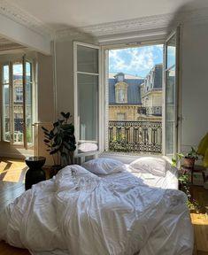 Dream Rooms, Dream Bedroom, Paris Apartments, Aesthetic Room Decor, Cozy Aesthetic, Summer Aesthetic, Aesthetic Fashion, Dream Apartment, Bedroom Apartment