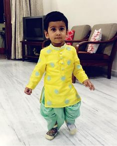 Ideas For Baby Boy Fashion Indian Fashion Kids, Baby Boy Fashion, Toddler Fashion, Kids Indian Wear, Kids Ethnic Wear, Baby Outfits, Kids Outfits, Kids Kurta, Boys Kurta Design