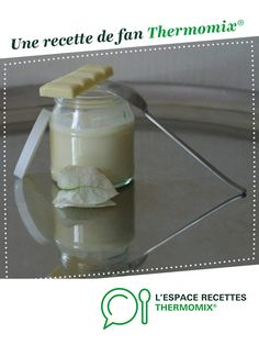 Façon Danette au chocolat blanc par bbaValou. Une recette de fan à retrouver dans la catégorie Pâtisseries sucrées sur www.espace-recettes.fr, de Thermomix<sup>®</sup>. Dessert Thermomix, Danette, Glass Of Milk, Fan, Cooking, Robot, Kitchen, Hand Fan, Robots