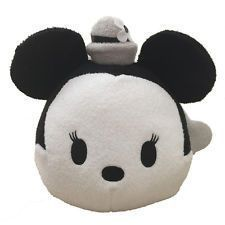 Tsum Tsum of the day SteamBoat Minnie. Tsumtsum, Disney Tsum Tsum, Hello Kitty, Christmas Gifts, Crafts, Stuffed Animals, American Girl, Madness, Plushies