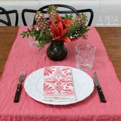 Mesa com abacaxis   Pineapple table setting