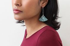 """""""Cléopâtre"""" couleur vert forêt - boucles d'oreilles pendantes - faits main - métal acier inoxydable anti-allergène"""