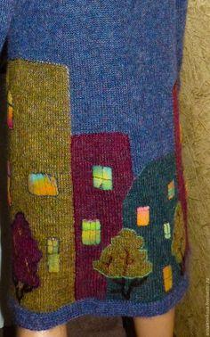 Купить или заказать Мохеровое пальто 'ВЕЧЕР В ГОРОДЕ' в интернет-магазине на Ярмарке Мастеров. Пальто связано из итальянского королевского мохера, который давно снят с производства. Из моих закрамов))) Хватит еще на несколько пальтишек. Очень распушится в процессе носки. Очень красивый мохер, цвет не однородный с натуральными вкраплениями как все шотландские мохеры, которые раньше были в 80-х годах. Это пальтишко связано на заказ моей постоянной покупательнице. И его уже нет.
