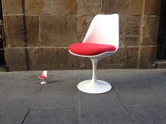 Silla tulip miniatura en sillas -muebles .com Vintage #silla #miniatura Chair, Furniture, Home Decor, Chairs, Miniatures, Homemade Home Decor, Home Furnishings, Interior Design, Home Interiors