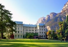 A glamorous Leading Hotel of the World overlooking Lake Garda, with a discount on spa treatments