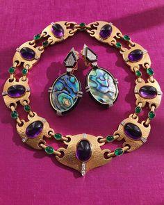Bold David Webb jewels. Jacqueline Kennedy Onassis, David Webb, Jewelry Art, Fine Jewelry, Jewellery, Diamond Jewelry, Diamond Necklaces, Necklace Box, Colour Stone
