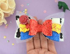 Handmade Curiosities by Kabeedoo on Etsy Festa Toy Story, Toy Story Party, Disney Bows, Disney Diy, Toy Story Birthday, Diy Headband, Diy Bow, Glitter Fabric, Diy Hair Accessories