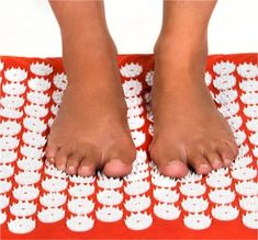 A Modern Bed of Nails – Shakti Mat - Family Health Diary Acupressure Mat, Acupuncture, Health Diary, Bed Of Nails, Pain Relief, Trauma, The Originals, Amazing