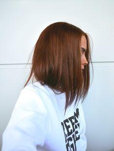 Johanna. Hair: l'oreal casting cream gloss 645 Amber