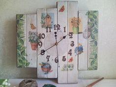 Handmade pallet clock