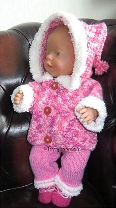 Voorbeeldkaart - Rose gemeleerd BabyBorn setje - Categorie: Breien - Hobbyjournaal uw hobby website Knitting Dolls Clothes, Crochet Doll Clothes, Knitted Dolls, Doll Clothes Patterns, Baby Born Clothes, Pet Clothes, Child Doll, Baby Dolls, Baby Pop