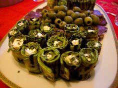Rollini di zucchina grigliata con formaggio caprino e erba cipollina