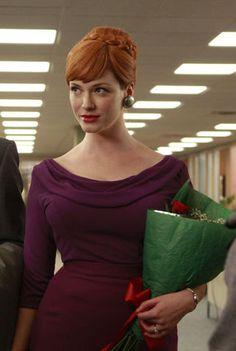 Joan Holloway (Christina Hendricks)