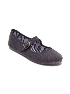 DV8 Tone Flat in Charcoal – The Tone flat by Dolce Vita merges two supremely comfortable shoes – a sneaker and a ballet – for a near-perfect Mary-Jane! Adjustable buckle closure, slip-resistant jelly soles. Priced at $38!
