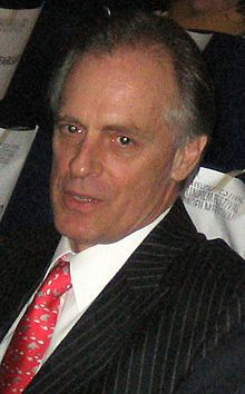 Seasons 2 & 4  FBI Special Agent Keith Carradine as Frank Lundy