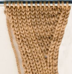 Lapaset yksipuoleisella peukalokiilalla | Punomo Scarf Hat, Mittens, Ravelry, Knitting, Pattern, Accessories, Scarves, Handle, Gloves