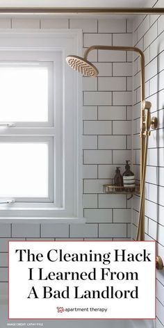 The Weird Bathroom Cleaning Tip I Learned from an Awful Landlord – Bathroom Cleaning Bathtub Cleaning Tips, Clean Bathtub, House Cleaning Tips, Diy Cleaning Products, Deep Cleaning, Diy Household Tips, Household Cleaners, Rustic Bathroom Designs, Bathroom Renovations