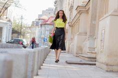 Kadın Giyimde Yaz Modası: Neon Renkler