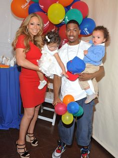 Mariah Carey & Nick Cannon: Family Day with Dem Babies!: Photo Mariah Carey and Nick Cannon attend Family Day at the Santa Monica Pier with their twins Monroe and Moroccan on Saturday (October in California. Love My Family, Family Day, Family Photo, Celebrity Moms, Celebrity Pictures, Mariah Carey Nick Cannon, 2014 Honda Odyssey, Rob Evans, Real Tv