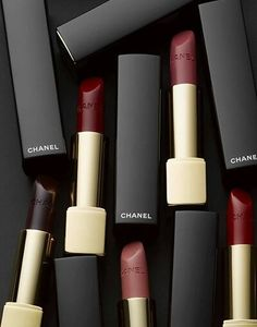 grafika chanel, lipstick, and makeup
