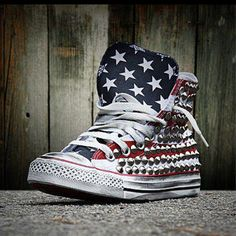 All Star Converse customised with studs and skulls. Available at www.muffinonline.it