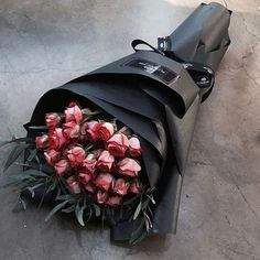 A bouquet of two women … – Silivri News Agency, SHA, Silivri's first video … - Pflanzen Flower Boxes, My Flower, Fresh Flowers, Beautiful Flowers, Happy Flowers, How To Wrap Flowers, Luxury Flowers, Flowers Online, Order Flowers