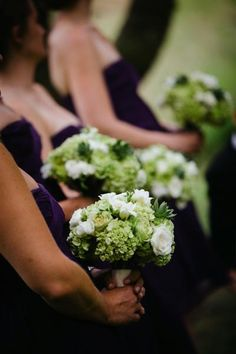 Green-and-White-Bridesmaid-Bouquets.jpg (400×600)