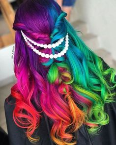 Hairstyles and Beauty: The Internet`s best hairstyles, fashion and makeup pics are here. Bride Hairstyles, Cool Hairstyles, Beautiful Hairstyles, Hair Dye Brands, Beauty Makeup, Hair Makeup, Wedding Hair Colors, Vivid Hair Color, Bright Hair