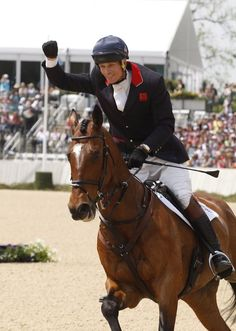 William Fox-Pitt wins the Rolex Kentucky Three-Day Event