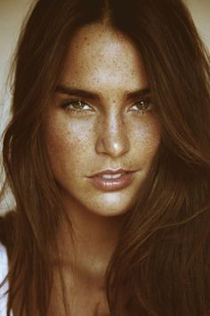 50 Beautiful Girls With Freckles