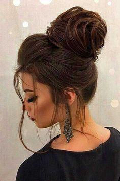 sleek bun hairstyles doughnut bun hairstyles bun hairstyles with edges Loose Hairstyles, Bride Hairstyles, Updos Hairstyle, Bridesmaid Hair, Prom Hair, Hair Extensions Best, Kim Jisoo, Braut Make-up, Pinterest Hair
