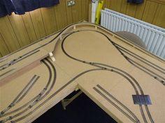 N Scale Train Layout, N Scale Trains, Model Train Layouts, Ho Model Trains, Ho Trains, N Scale Buildings, Model Railway Track Plans, Electric Train, Train Set