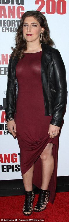 Red hot! Mayim Bialik looked a far cry from her nerdyneurobiologist character Amy as she ...