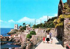 Vintage 60s Italian Travel Postcard Riviera Ligure, Italia Nervi, Genoa Gulf, Mother Children, Unposted by DecoOwl on Etsy
