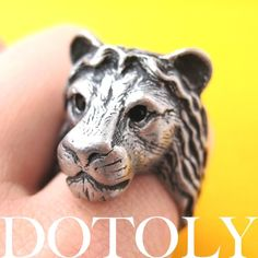 Realistic Lion Ring. Starting at $1 on Tophatter.com!