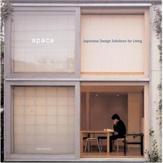 Amazon.com: Space: Japanese Design Solutions for Compact Living (9780789310651): Michael Freeman: Books