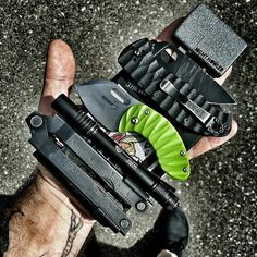 Photo from @night.howler - Hand DUMP! #streamlight #spyderco #spydercotenacious…
