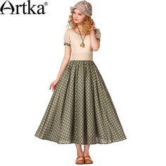 Длинное платье А-силуэта с рукавом фонарик и завышенной талией