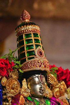 Sri Balaji Travel is one of Best Tirupati Tour Operator provides you Quality and Affordable Pilgrimage Tirupati darshan package from Bangalore. Lord Murugan Wallpapers, Lord Krishna Wallpapers, Hanuman Images, Krishna Images, Lord Vishnu, Lord Ganesha, Rama Lord, Lord Balaji, Hanuman Wallpaper