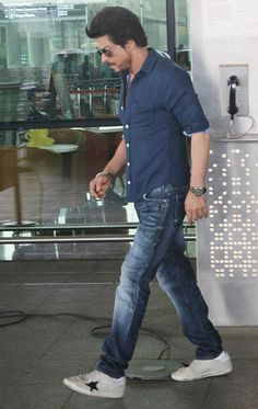 at airport Feb 2017 to shoot for The Ring Raees Srk, Shahrukh Khan And Kajol, Salman Khan, Being Human Clothing, Richest Actors, Instant News, Sr K, King Of Hearts, Stylish Mens Outfits
