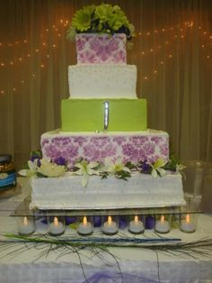 Beautiful color combo.. green and purple