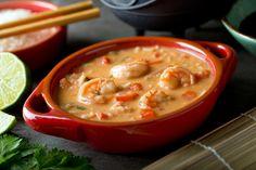 Laquelle de ces 2 soupes préférez-vous? Découvrez-les grâce à ces recettes! - Recettes - Ma Fourchette Tasty, Yummy Food, Cheeseburger Chowder, Thai Red Curry, Sausage, Ethnic Recipes, Voici, Churros, Internet
